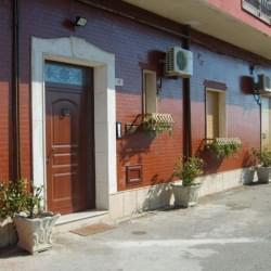 Casa Vacanza Con Piscina A 200 Mt Dal Mare
